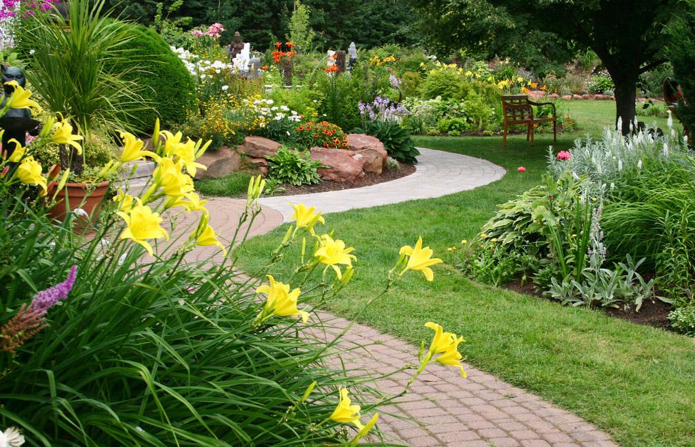 英国的风景式庭园采用的是典型自.[2014-1-3]